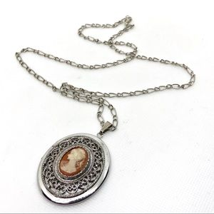 🆕Vintage Silver Cameo Filigree Locket Necklace